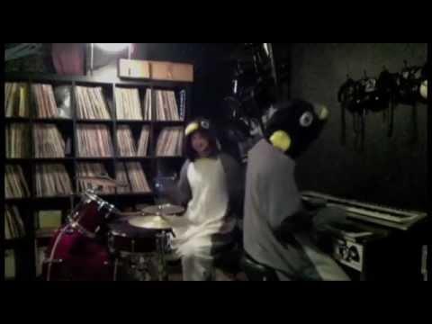Party Gardens - Circular Someone (Official Lyric Video)