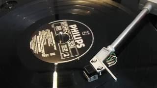 Mireille Mathieu - A Dix-Sept Ans (vinyl), Osawa OS301. Graham Slee Reflex M