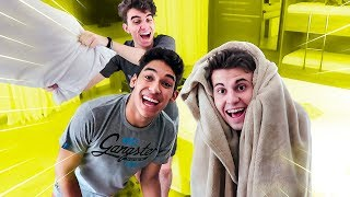 FESTA DO PIJAMA NO HOTEL !! (DEU RUIM??) ‹ AUTHENTIC › thumbnail
