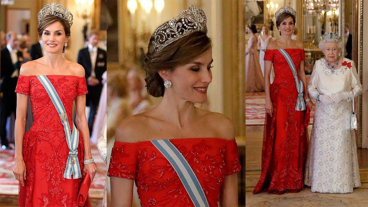 e4d1a5e52 REINA LETIZIA ORTIZ en la cena de gala con vestido de FELIPE VARELA Visita  a Reino Unido