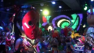 最強の地下アイドル「仮面女子」が2016年10月下旬、話題の「ロボットレ...