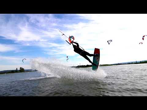 Seattle Kiteboarding - Jetty Island is amazing