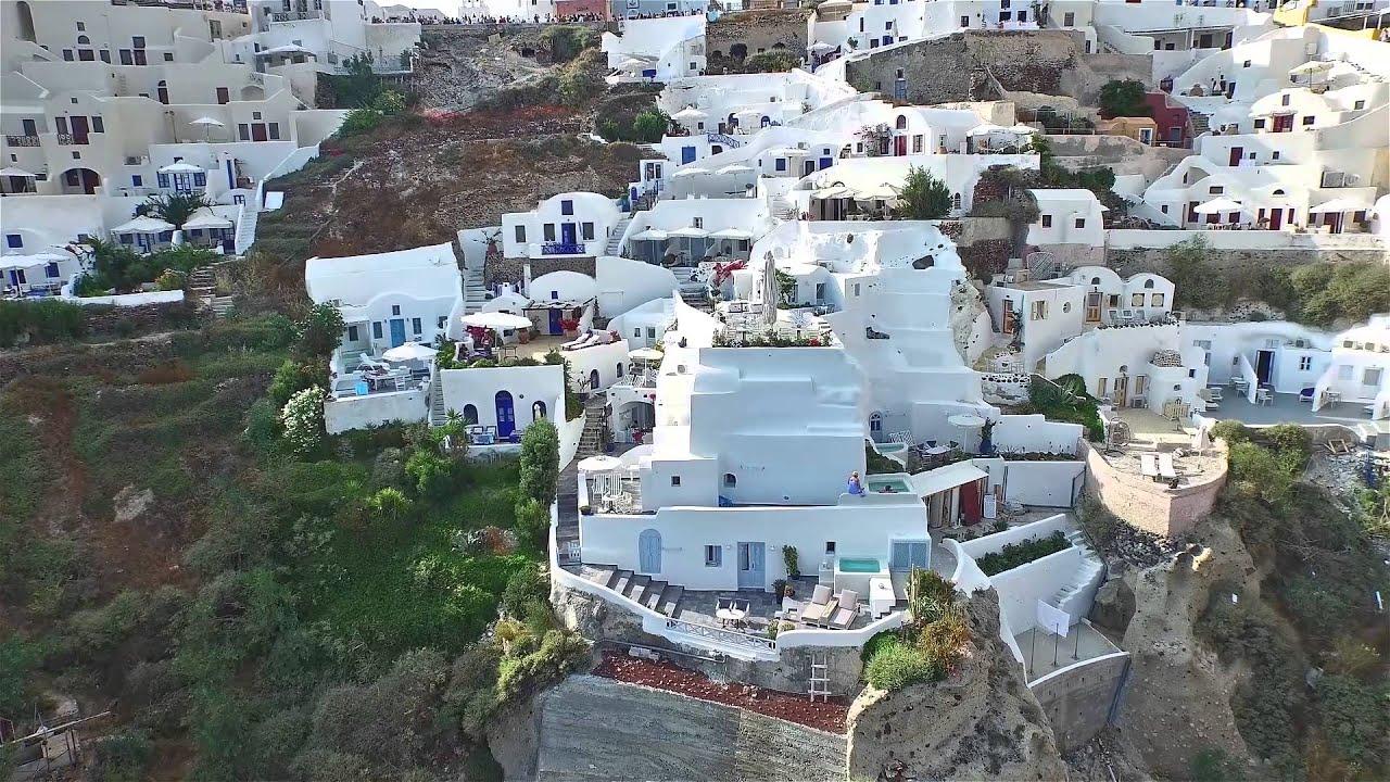 Aris caves hotel at Oia - Santorini
