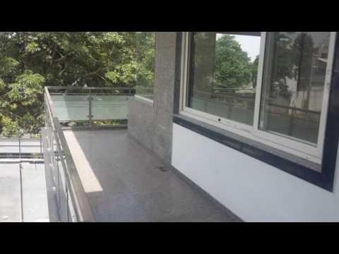 Hiend Floor For Sale In Malibu Towne , Sector 47 , Gurgaon-9871752472