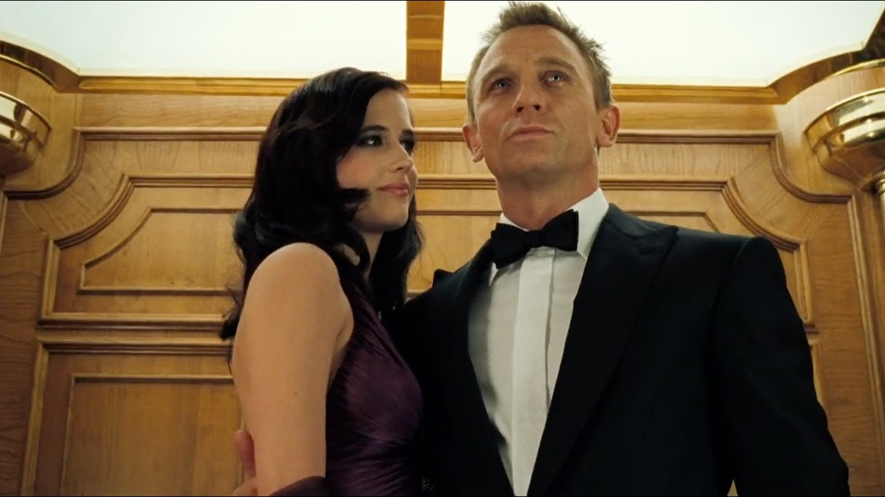 CASINO ROYALE | Stairwell fight - YouTube