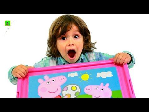 ARES youtubers react Super Caja Sorpresa y Juguetes con JUEGOS y JUGUETES de ARES