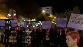 Miles de manifestantes se congregan en Plaza España con motivo del 25N