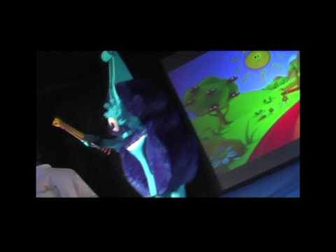 Vinnie Violin falls off stage in Abu Dhabi HELLO MUSIC LAND Show .m2t