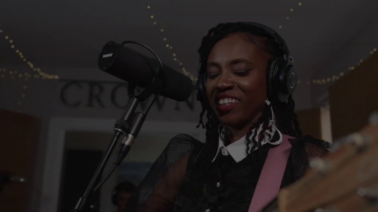 Teneia- Don't Come for Me (live at Crown Studios)