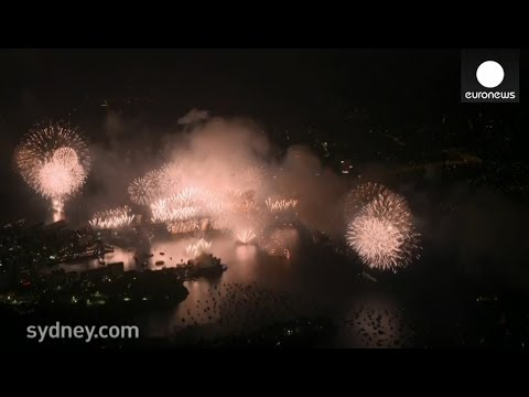 Full Video: Amazing 2014 New Year Fireworks in Sydney, Australia