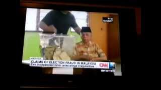 CNN censor news to malaysia. This video is capture by some one in UK