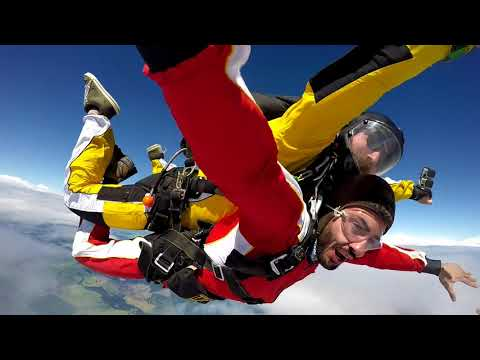SkyDiving New Zealand Over Lake Taupo 15,000 ft