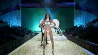 Victoria's Secret Fashion Show 2010 ~ Part 2(Collection COUNTRY GIRLS : ~ Alessandra Ambrosio ~ Lindsay Ellingson ~ Lily Aldridge ~ Jessica Stam ~ Maryna Linchuk ~ Constance Jablonski ~ Gracie ..., 2012-03-13T18:04:15.000Z)