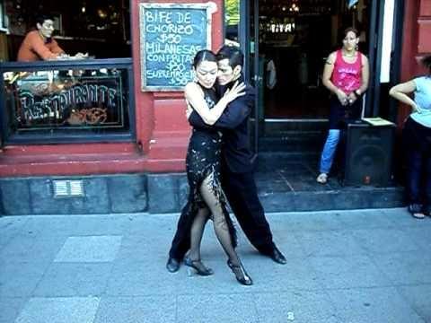 Tango. Em Caminito, Argentina. (Fev. 2011)