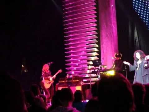 Heart Even It Up (With a snippet of Gimmie Shelter) Live Ottawa Civic Center Theater Feb 7 2011