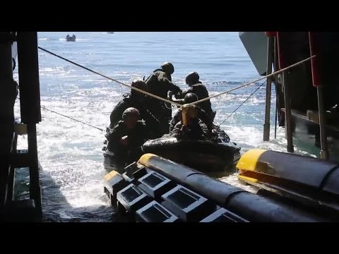Recon Marines Launch CRRC off Littoral Combat Ship USS Freedom