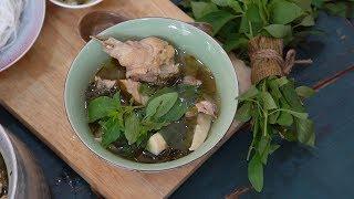 Bếp Cô Minh | Tập 98 - Hướng dẫn cách làm món lẩu gà lá é đúng điệu