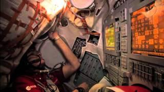 Expedition 27 Trains for Soyuz Undocking
