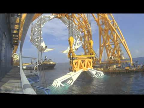 VB10,000 Claw Lifts 4 Topsides