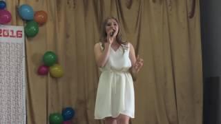 Дочь поёт на английском на последнем звонке. Угодила учительнице по английскому! Песня о Боге!