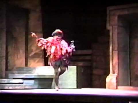 Dale Morehouse, baritone, sings Mozart 04: I