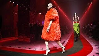 Video Gucci | Spring Summer 2017 Full Fashion Show | Exclusive download MP3, 3GP, MP4, WEBM, AVI, FLV Juni 2018