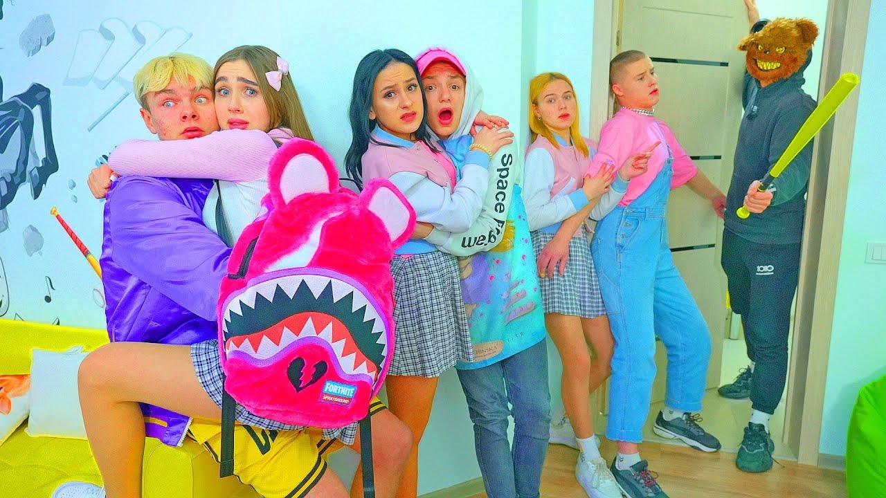 ¡Los adolescentes tienen miedo en la escuela! ¡Diana ya no quiere ir a la escuela de Cheerleaders!