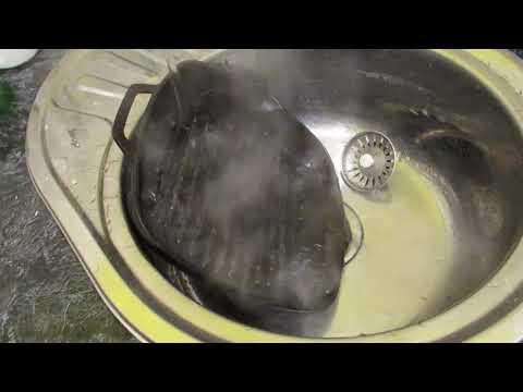 Лучший способ отмыть чугунную посуду