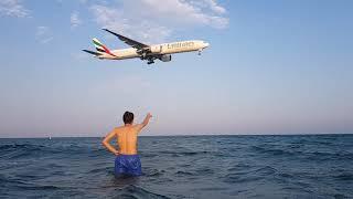 Посадка самолета в аэропорту г. Ларнаки, Кипр.