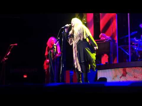Stevie Nicks - Gold Dust Woman (LIVE) 10/29/2016 Houston,TX
