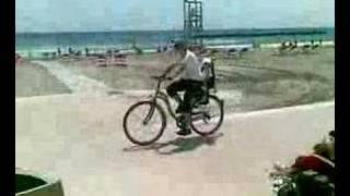 paseo en bici por la playa
