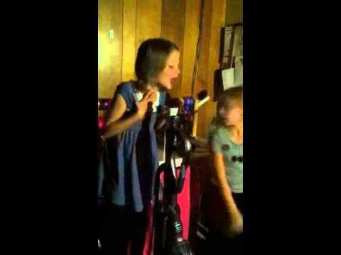 7 year old sings Adele