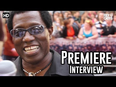 Wesley Snipes Interview - The Expendables 3 Premiere (Blade 4)