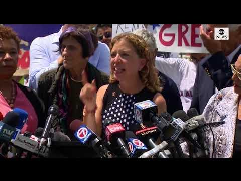 Congressional Democrats visit Homestead, Fla., facility for migrant children