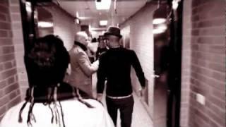 Download lagu Pitbull.feat.Sensato-Latinos In Paris [Official Music Video].mp4