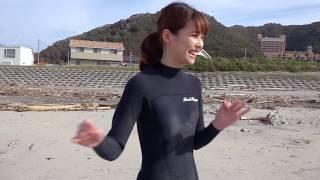 【フジテレビ公式】鈴木唯アナがサーフィン初挑戦!< ISAサーフィン世界選手権2019~波乗りがとことん好きになるSP~>