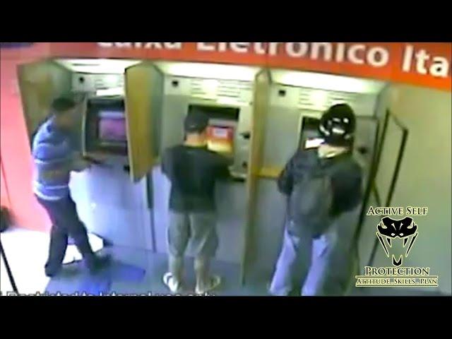 Krenuo je da opljačka mladića koji je podizao novac na bankomatu. BOLJE DA NIJE!