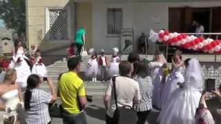 Парад невест в Тавде в День молодёжи (черновой вариант)