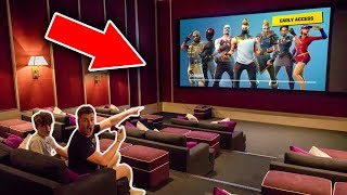 BROTHERS PLAY FORTNITE IN A CINEMA