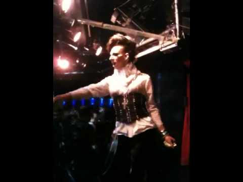 Nikki Reign performing Prince
