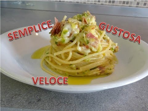 Pasta con zucchine speck e scamorza