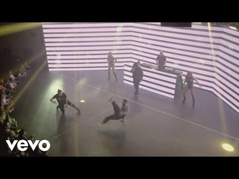 Calo - El DJ / Mi Amor/ Baila (En Vivo)