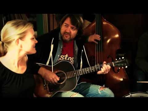 Kelly Willis - Harper Valley PTA (Studio Version)