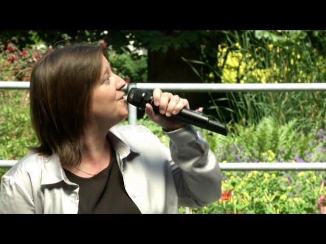 Eve Lynne - Juste pour vous, on sourira pour Bx1