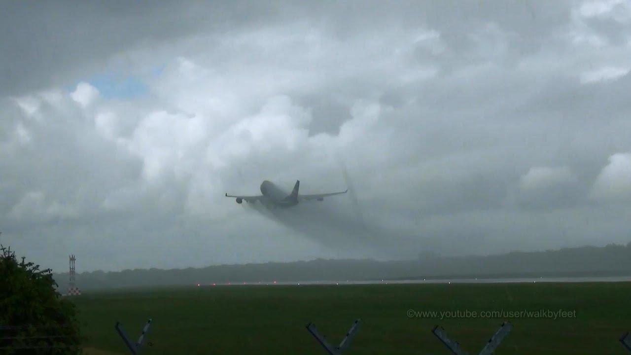 Free Fall Season Wallpaper Heavy Plane In Heavy Rain Takeoff Of Silk Way Airlines