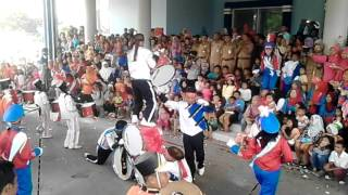 Atraksi SMPN 2 KOBI lomba drum band tingkat KOTA