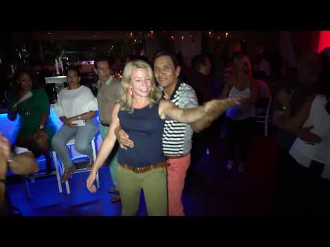 Thurs 8/3/17 VIDEO #1 of 2 ★ FREE Salsa Thursdays in New Roc