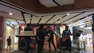 Download Mp3 Ka Ching - Shania Twain  Cover By Aurora Band  @ Foodie Ville, Melawati Mall