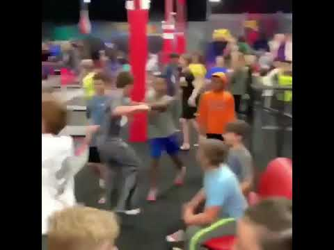 Kids Turn Up To Mo Bamba - Sheck Wes