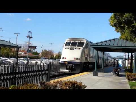 Metrolink leaving Orange station